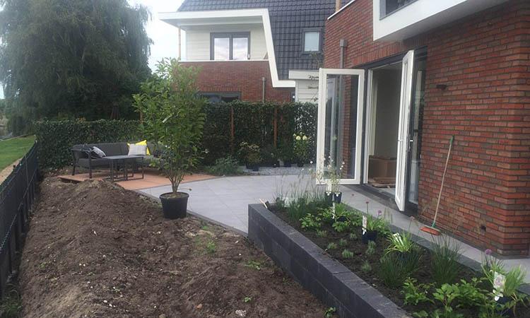 Fantastische Tuin In Nederhorst Den Berg Aan De Vecht.